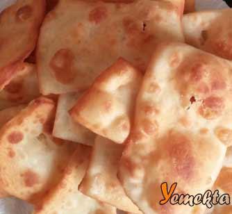 Resimdeki pişi, Doğu Anadolu Yemek Kültürü içerisinde yer alıyor.