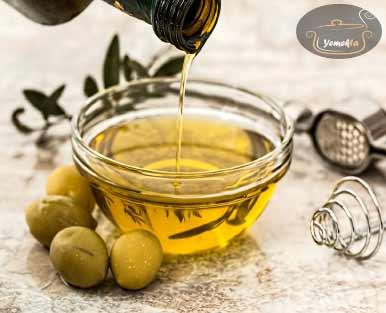 Ege Bölgesinin yemek kültürü için önemli yeri olan zeytin ve zeytin yağı görselleri.