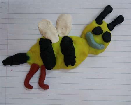 Oyun hamuru ile yapılan görseller - Arı görseli - Play dough bee.