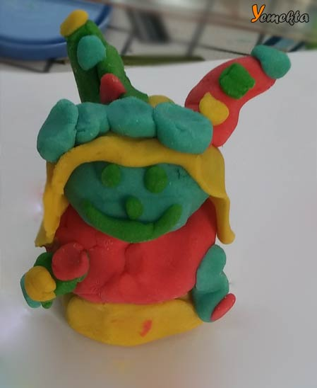 Oyun hamuru ile yapılan görseller ve şekiller - Sevimli canavar - Play dough lovely monster.