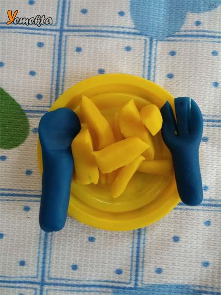 Oyun hamuru ile yapılan görseller - Bir tabak yemek, kaşık ve çatal - To make food, spoon and fork with play dough.