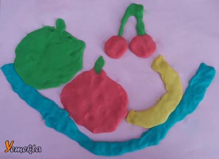 Oyun hamuru ile yapılan görseller - Meyveler görseli.
