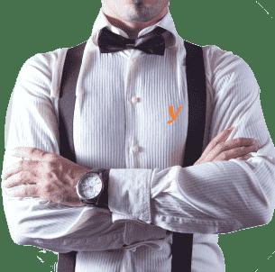 Aşçılık Eğitimi - Beyaz gömlek giymiş erkek aşçı resmi.