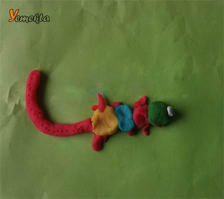 Oyun hamuru ile yapılan şekiller görseller - Tek gözlü kertenkele - Play dough lizard.