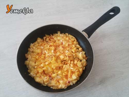 Patatesli omlet tarifi öğrenciler için omlet