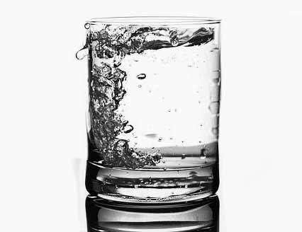 Su tok tutan yiyecekler içerisinde yer alır.