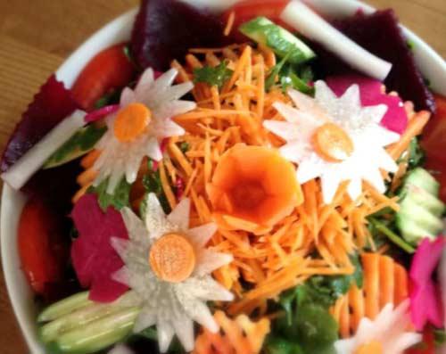 Karadeniz Bölgesi Yemek Kültürü içerisinde bulunan Amasra salatası görseli.