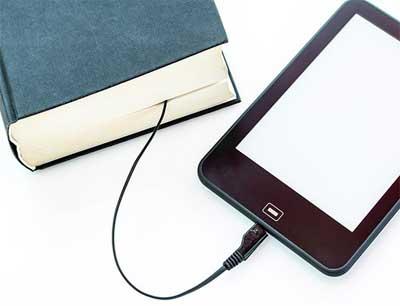 İnternetten para kazanma yolları - Kitap ve tablet görselleri.
