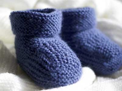 El becerileri ile internetten para kazanma yolları - Resimde el örmesi çorap var.