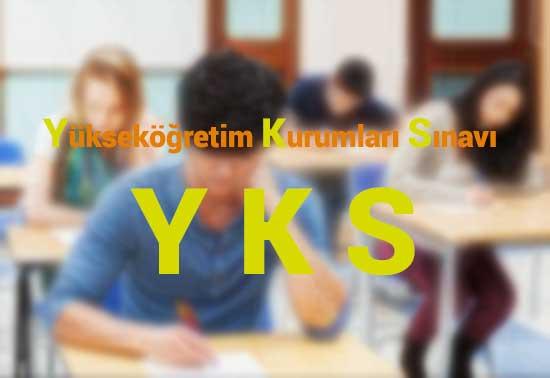 TYT Baraj Puanı YKS Puan Hesaplama yazısı için kullanılan resimde, sınıf ve öğrenci var.