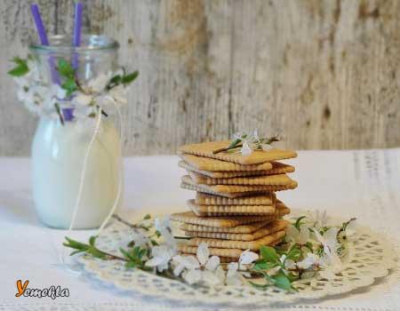 İç Anadolu Bölgesi Yemek Kültürü - Resimde Karaman'da üretilmiş bisküvi görseli var.